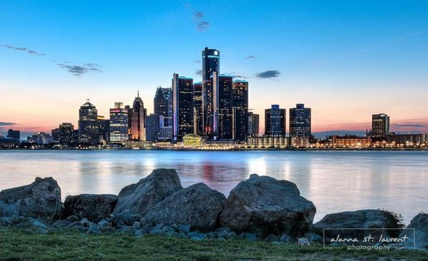detroit-riverwalk